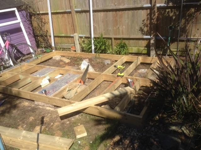 insulating the floor garden room build